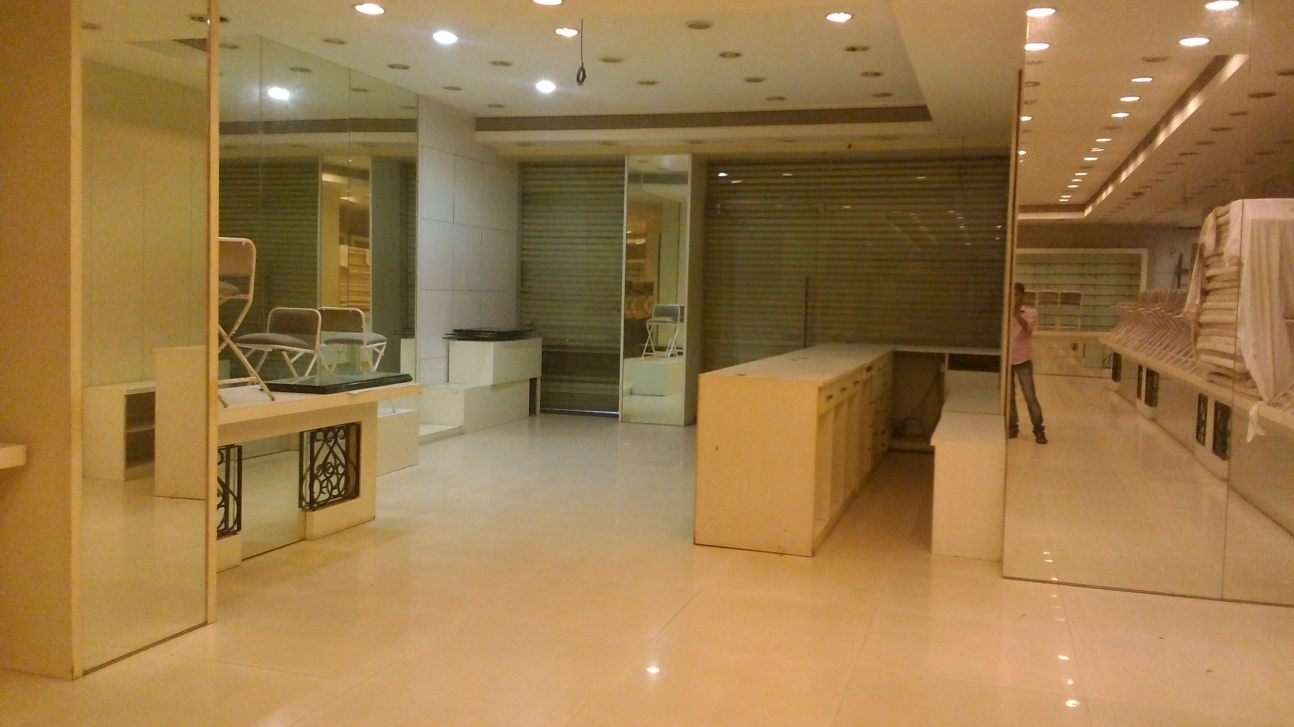 Commercial Shops for Rent in Prabhat Plaza,Opp.M H High School, Shivaji Path. Near Kalyan Jewelers, Thane-West, Mumbai
