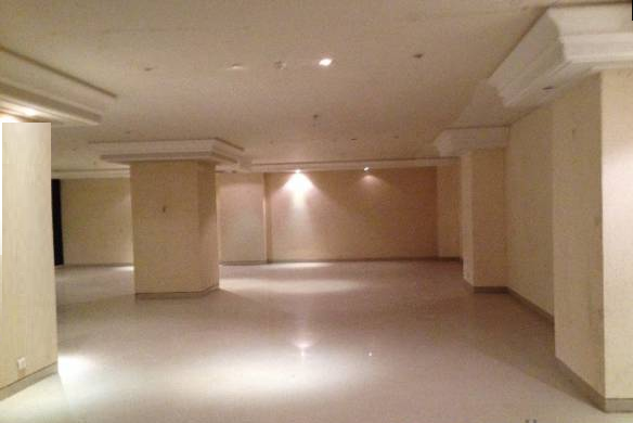 Commercial Shops for Rent in Commercial Space For Rent, Near Nehru Center,, Worli-West, Mumbai