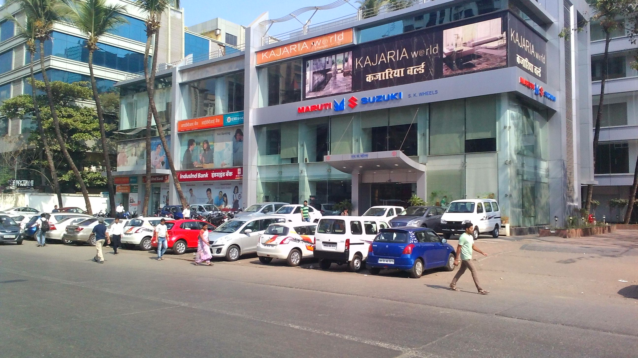 Commercial Shops for Rent in Commercial Shop For Rent in Linking Road, , Andheri-West, Mumbai