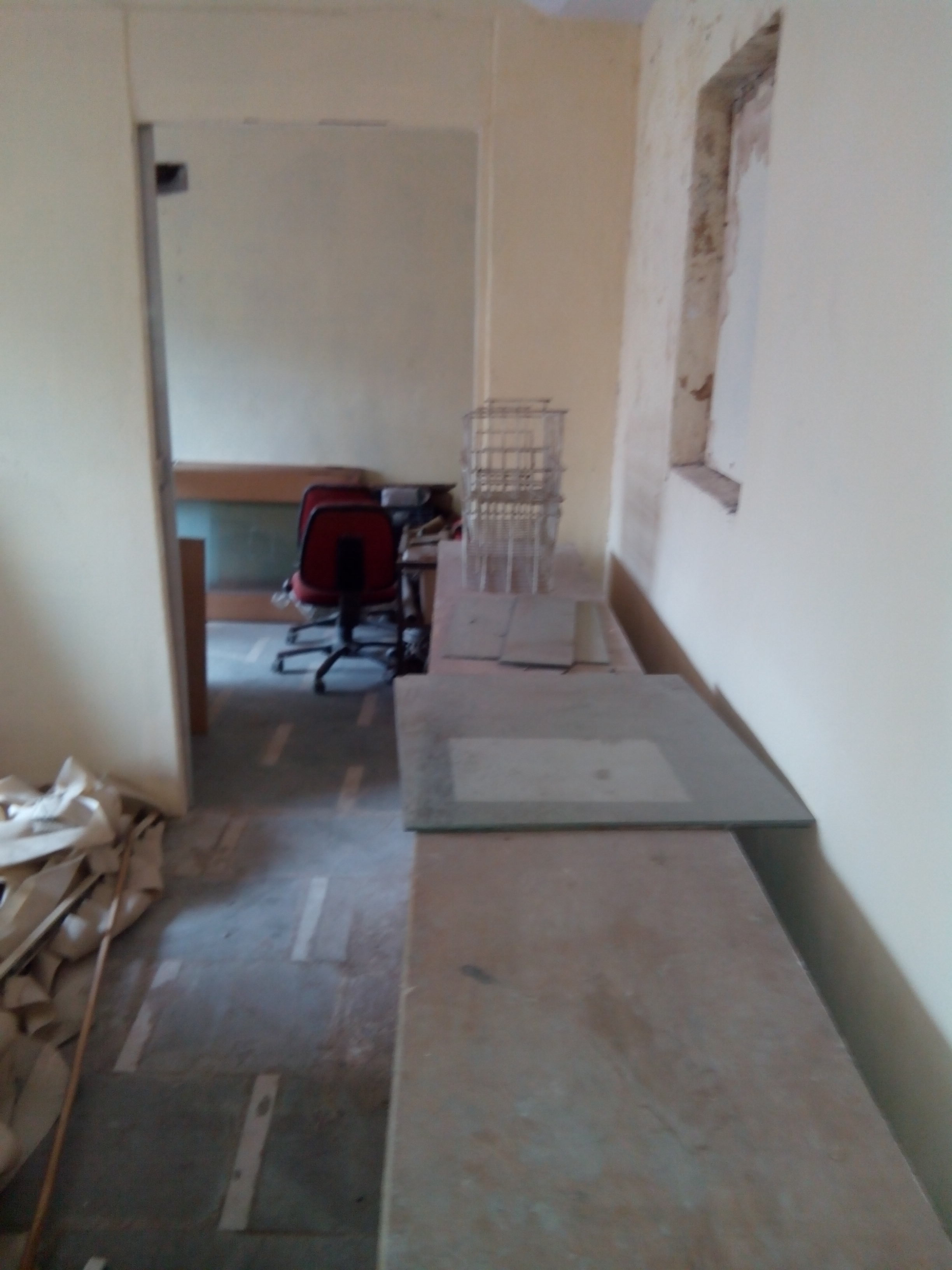 Commercial Office Space for Rent in stunning tower room no 101, Kalyan-West, Mumbai