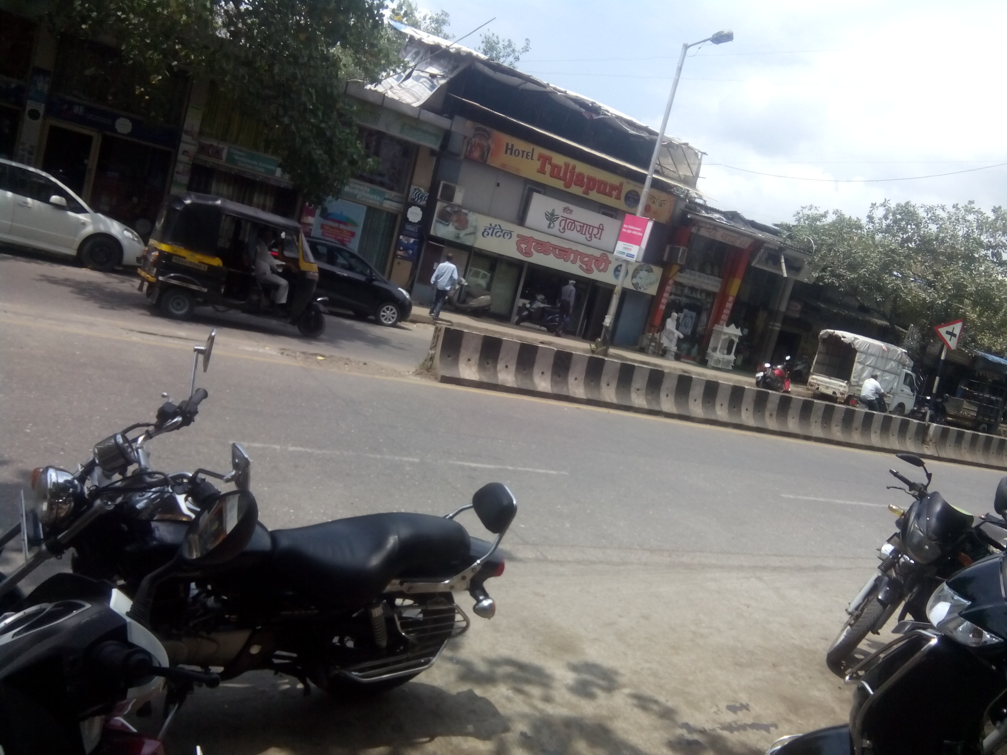 Commercial Shops for Rent in Shop no.05 ,Lal Bahadur Shashri Marg, Thane-West, Mumbai