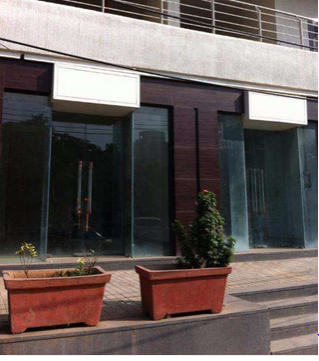 Commercial Shops for Rent in Shop for Rent in Veera Desai Road, Near Andheri sports complex,, Andheri-West, Mumbai